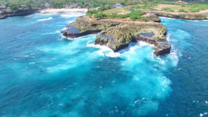 Devil's Tears - Nusa Lembongan, Bali, Indonesia.. Phantom 3 Footage