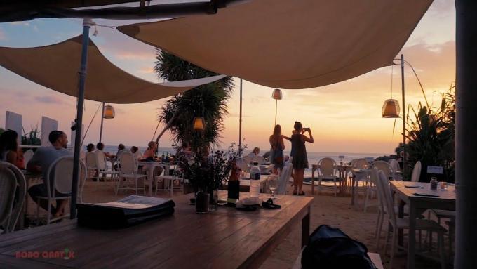 Sandy Bay Beach Club Lembongan - Sunset view (Full HD)