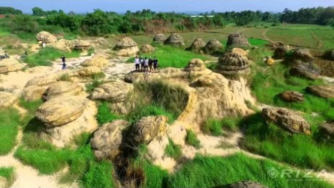 Aerial Video Bukit Jamur Gresik Jawa Timur