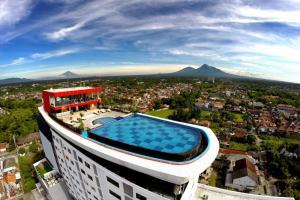 Indoluxe Hotel