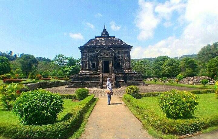 Candi Banyunibo Yogyakarta