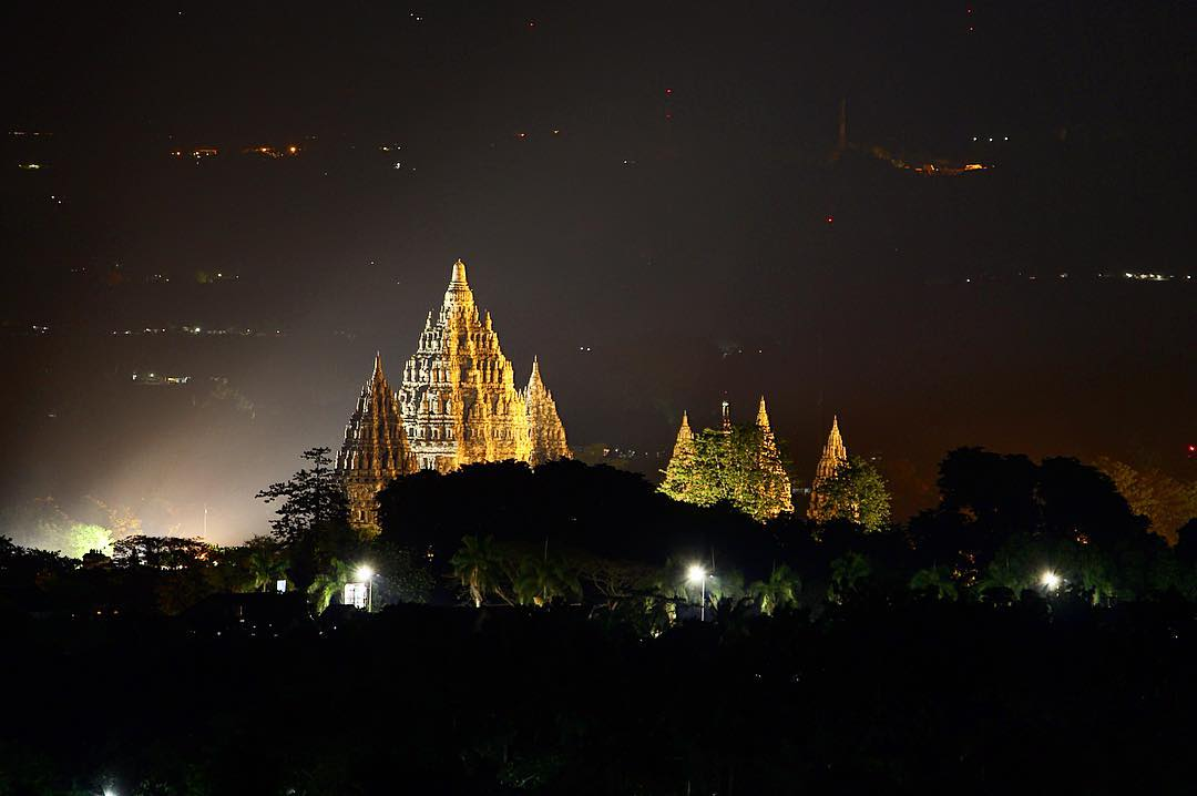 Pemandangan candi Prambanan Yogyakarta