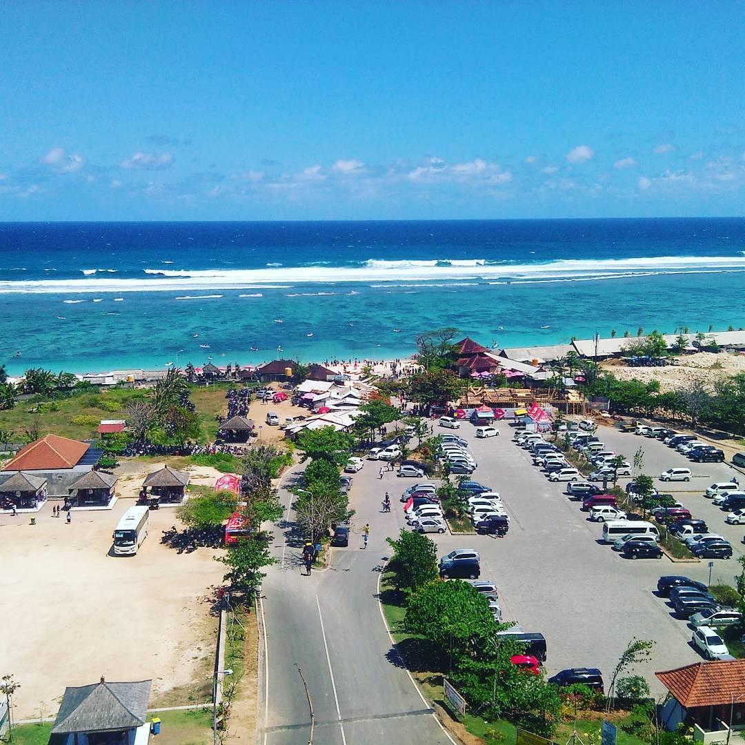 Area parkir Pantai pandawa Pantai Pandawa