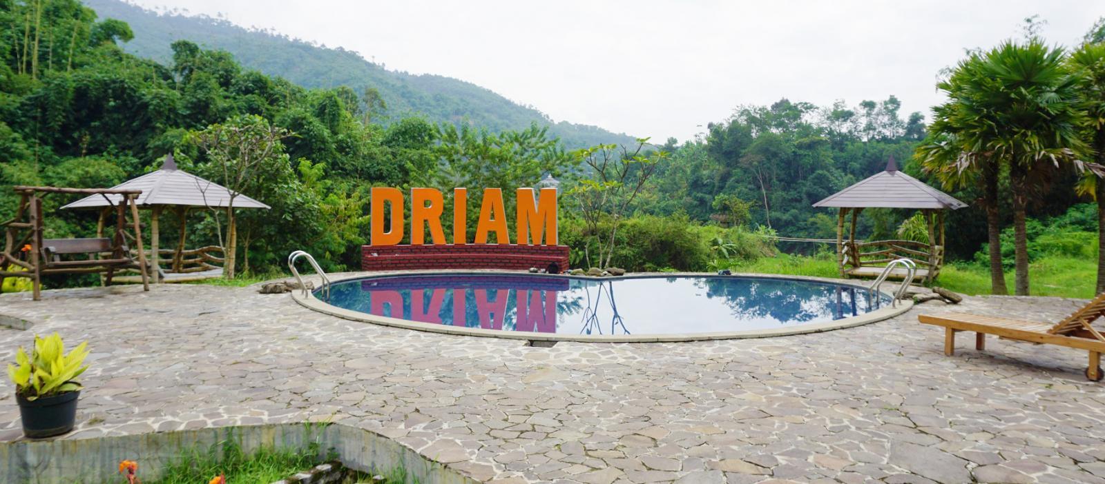 Driam Riverside Hotel & Resort Bandung