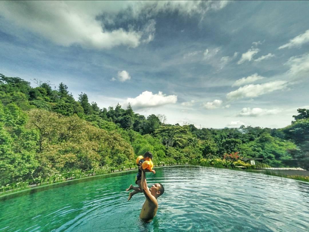 Infinity Pool Padma hotel