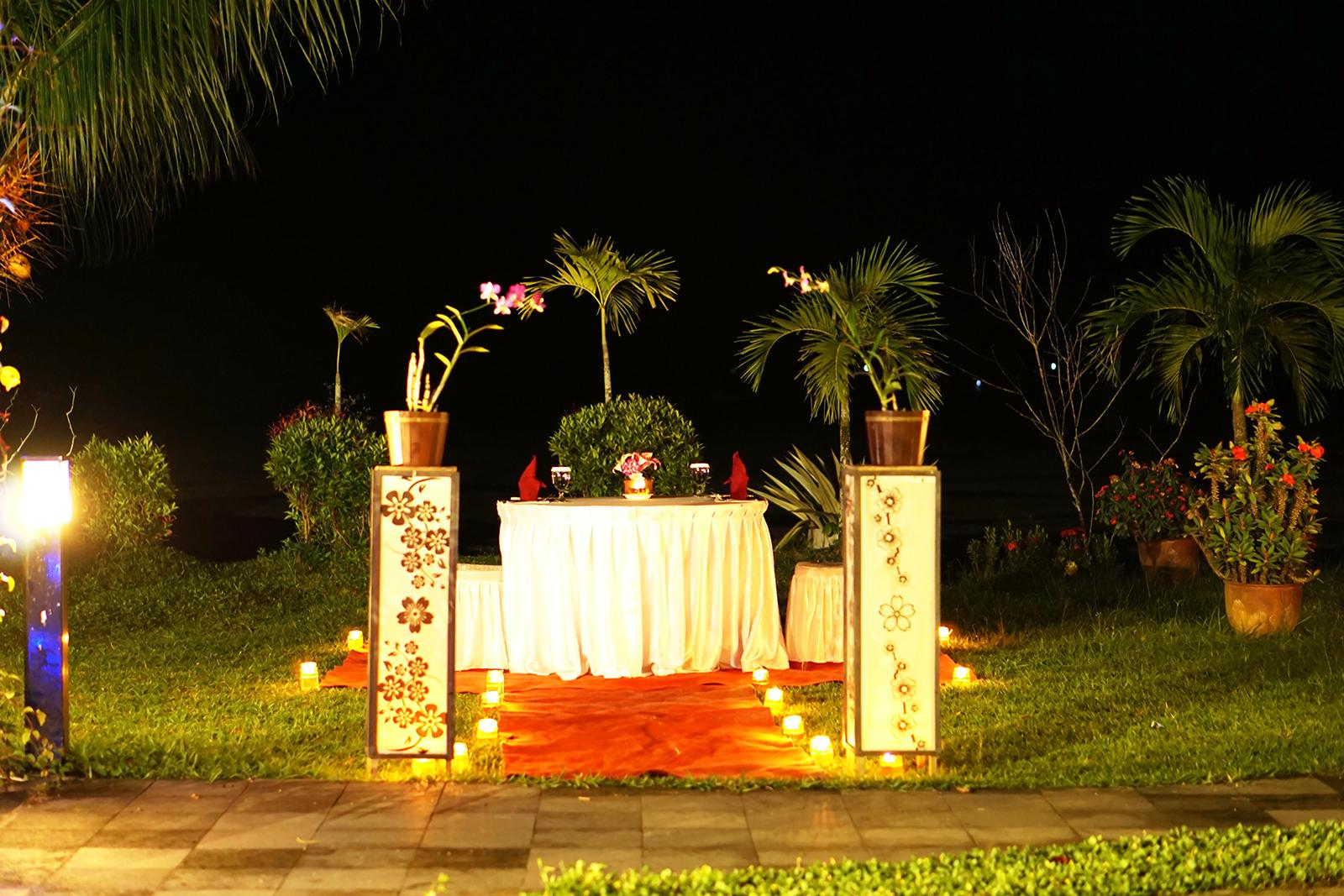 Spot Candle Light Dinner Bahamas Hotel & Resort