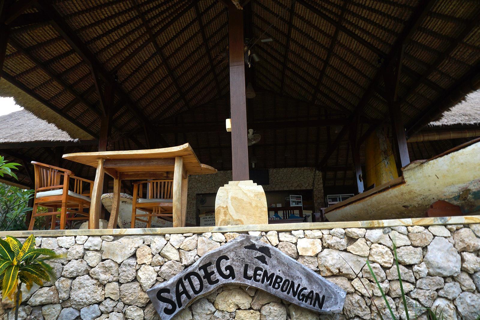 Front Office Sadeg Lembongan Hotel & Resort