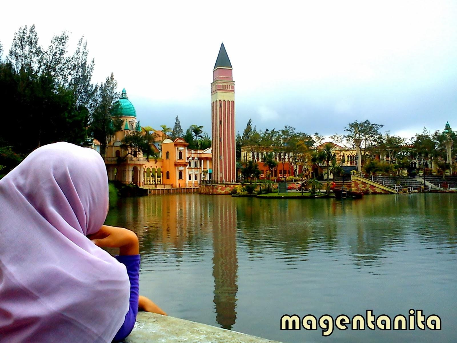 Berwisata Keluarga Wisata Little Venice Kota Bunga Puncak Bogor