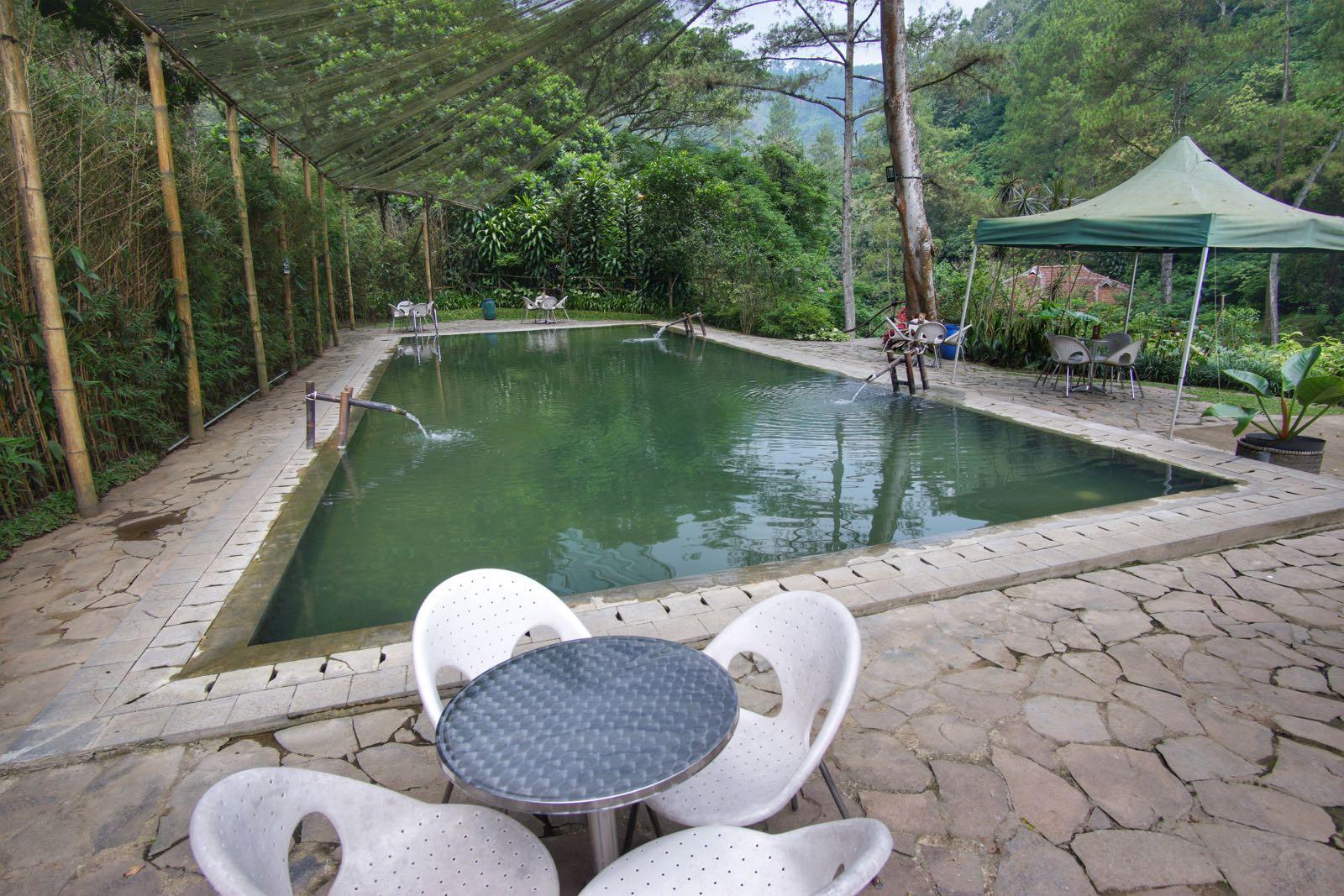 Kolam pemandian Maribaya Resort