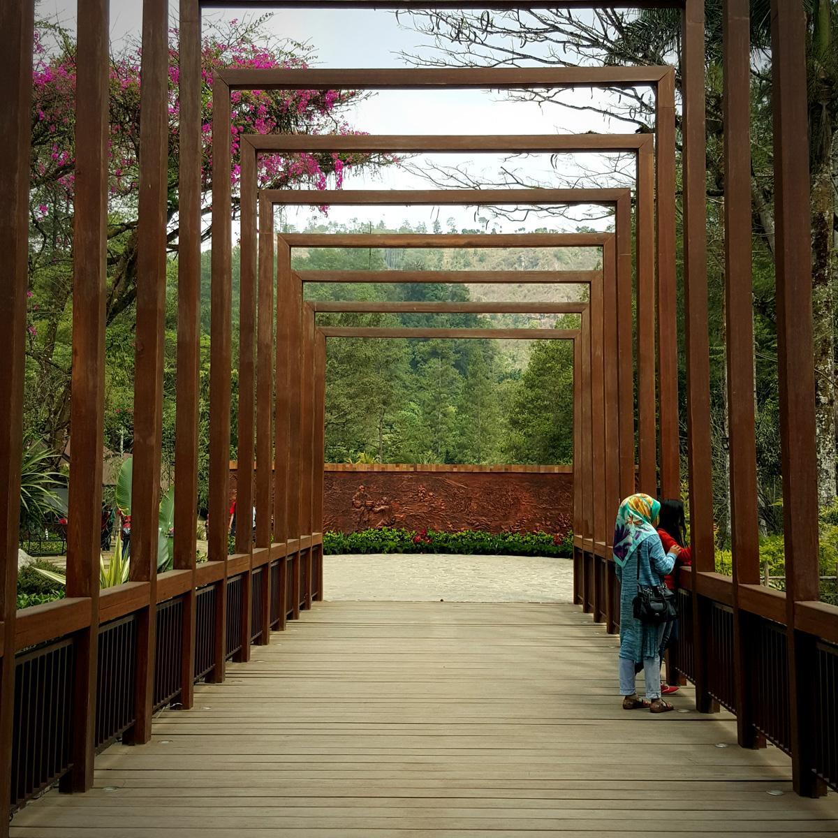 Jembatan Maribaya Resort