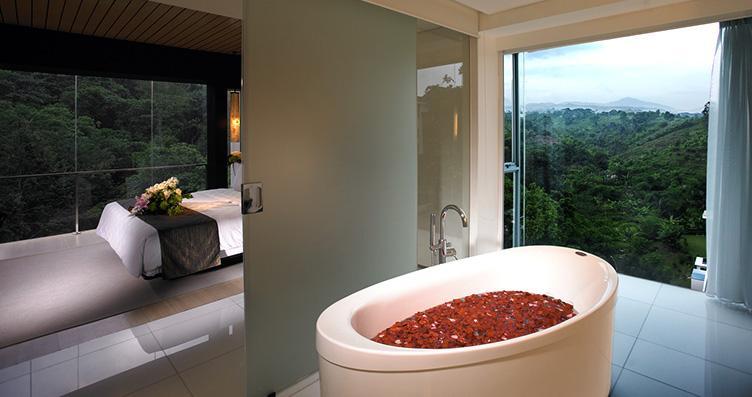 Premiere Suite Bathroom Padma hotel