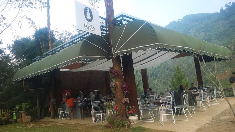 Pines cafe The Lodge Maribaya