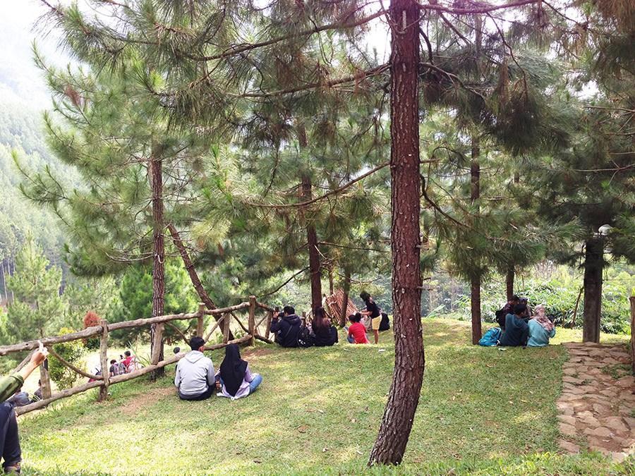 Tempat bersantai The Lodge Maribaya