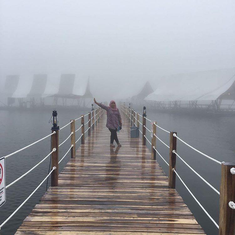 Jembatan Glamping Lakeside Rancabali