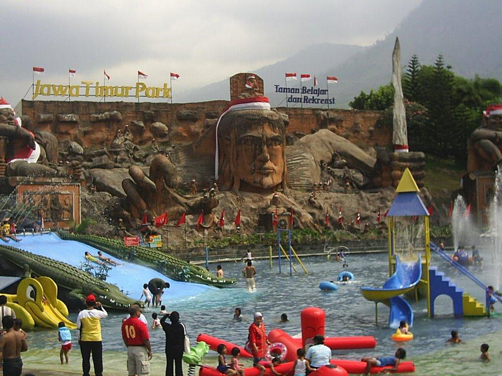 Waterpark JATIM PARK 1