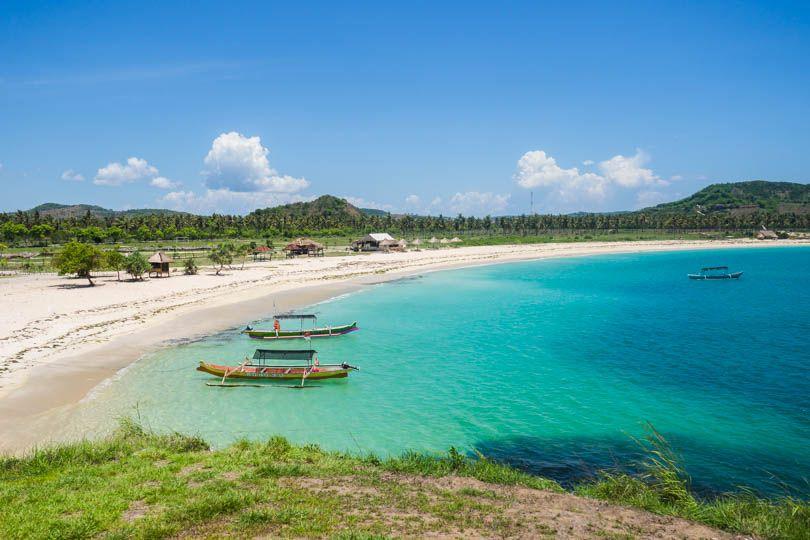 Pantai Tanjung Aan Lombok