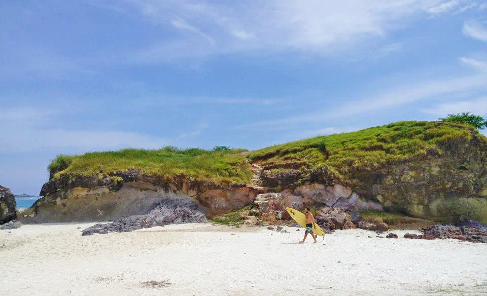 Bukit Tanjung Aan Pantai Tanjung Aan