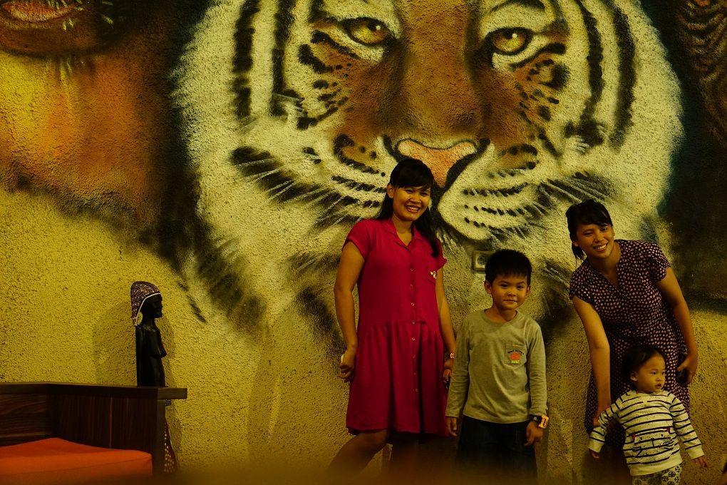 Wall art Woza Cafe