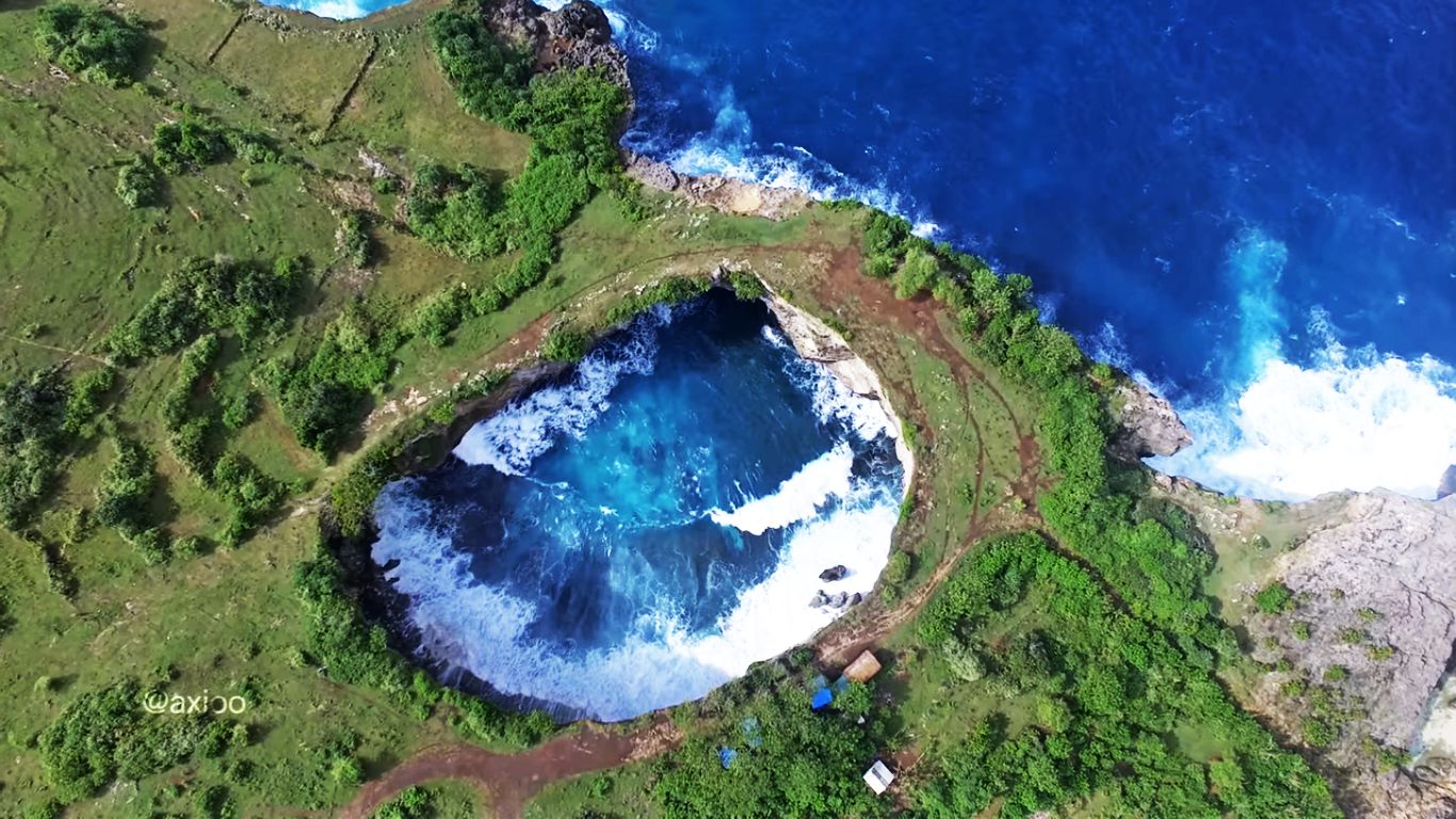 Pantai Pasih Uug broken beach Bali