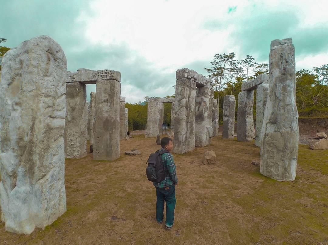 Stonehenge Jogja 1 Stonehenge Sleman