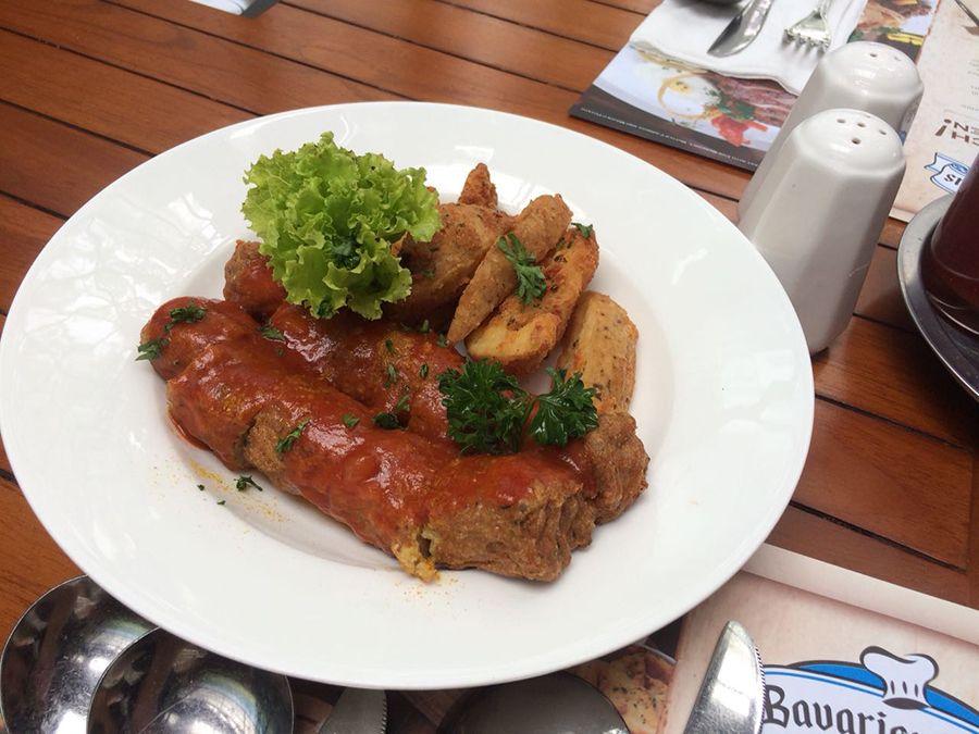 Bavarian Haus Bratwurst n Grill Tempat Makan Bergaya Jerman yang Cantik di Puncak Bavarian Haus Bratwurst and Grill resto