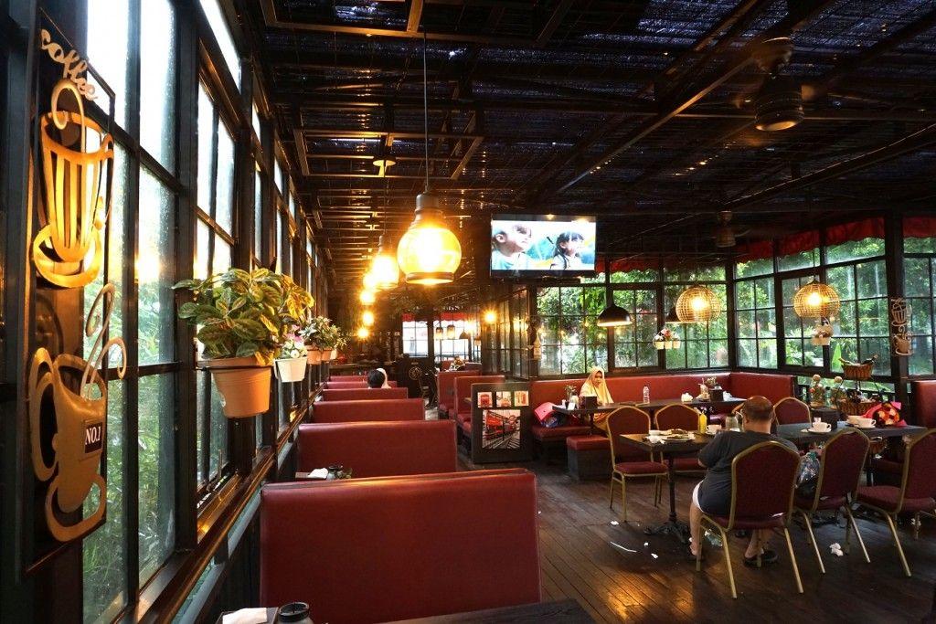EdensoR Hills Cafe Bogor