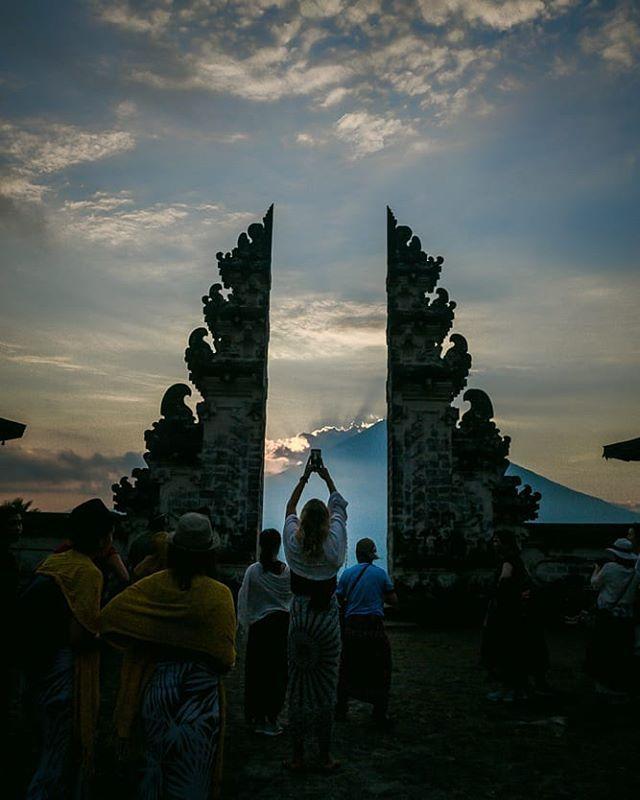 Foto oleh @chirimaonwalk Pura Lempuyangan