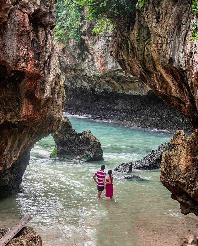 Pic Via IG By @vinasofianawijaya Pantai Suluban Uluwatu / Bluepoint Beach
