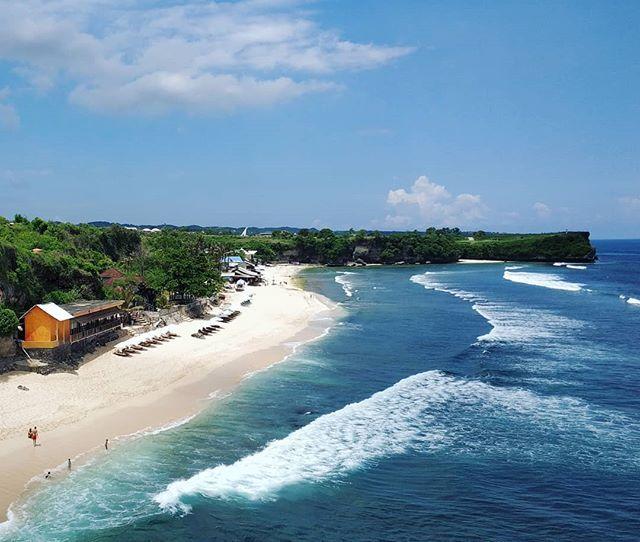 Pantai Balangan Pic via IG @kundaliniyogavenera  Pantai Balangan