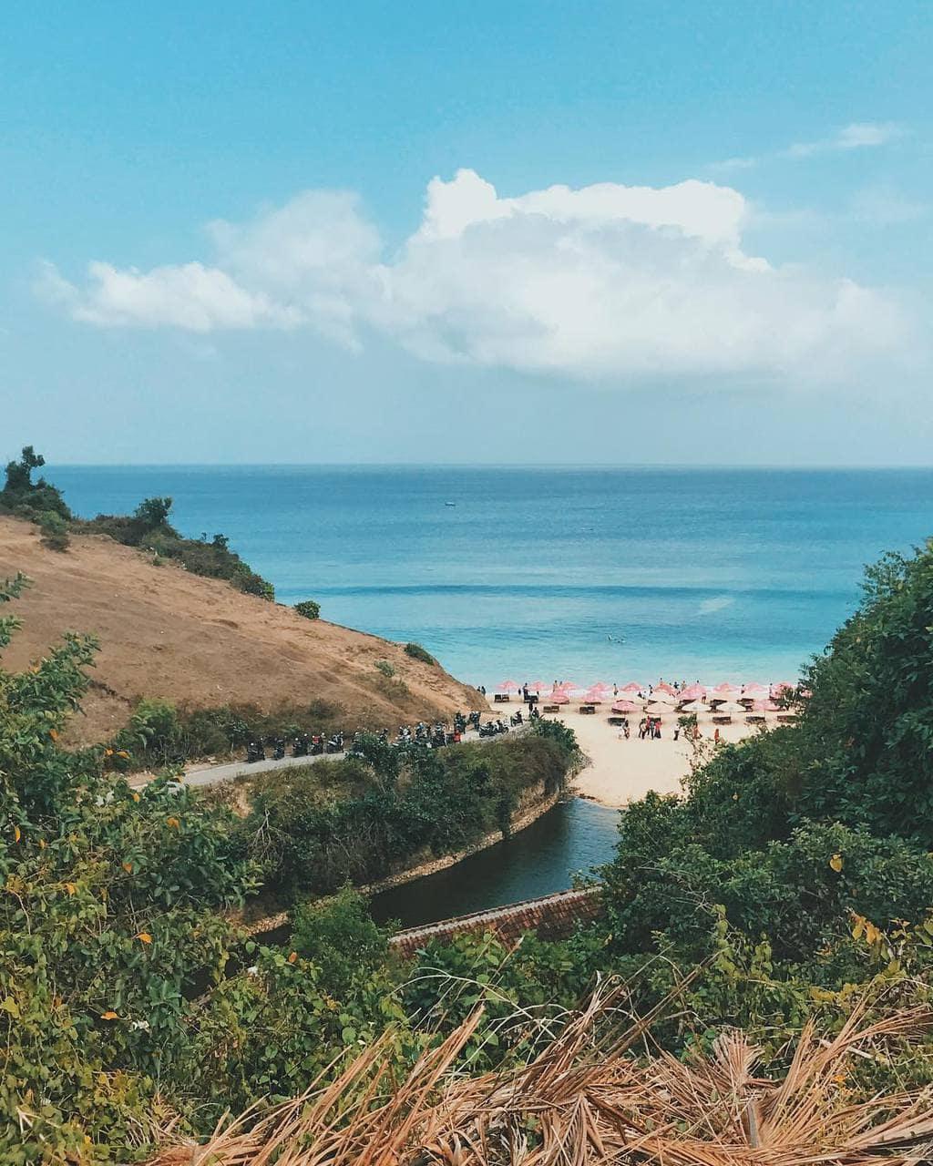 Pantai Dreamland, (Sumber: @mod.tography) Pantai Dreamland