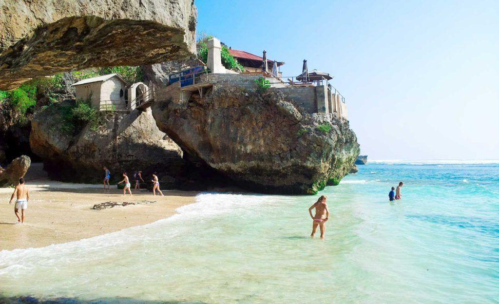 Pantai Suluban Uluwatu / Bluepoint Beach Bali