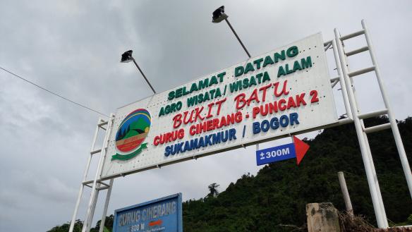 Weekend Getaway Di Curug Ciherang Bogor Yang Sejuk